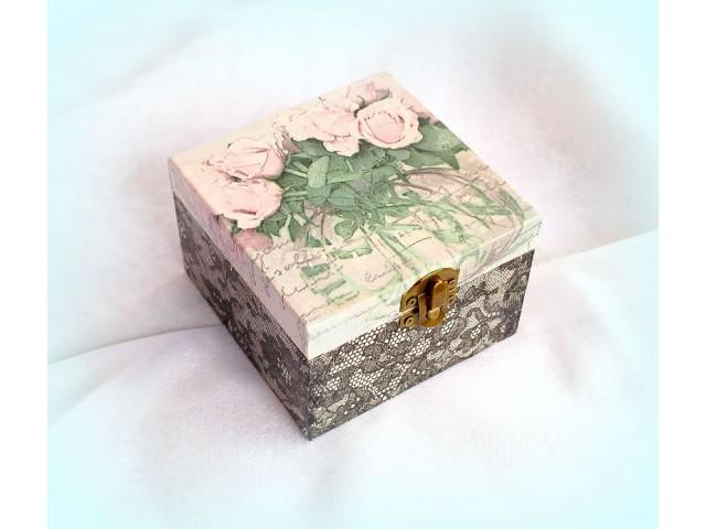 Cutie lemn decorata - vintage style - 1113