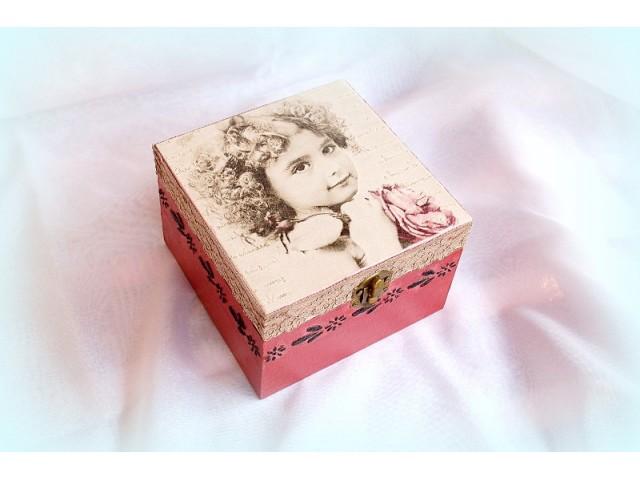 Cutie lemn decorata - vintage style - 1140