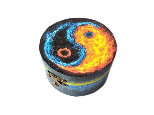 Cutie rotunda cu model Yin Yang 132139